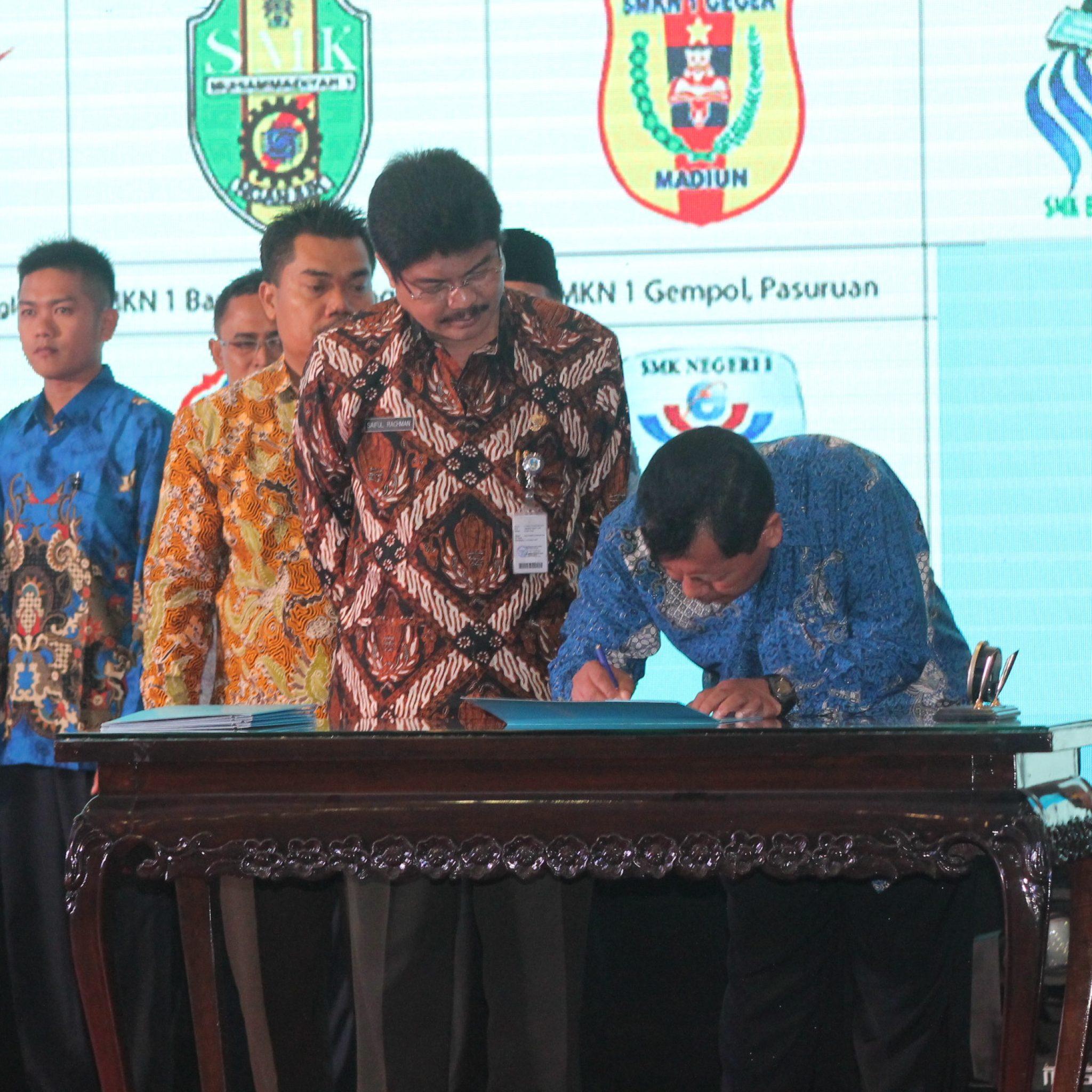 PT. Samsung Electronics Indonesia Bekerjasama Dengan SMKN 1 Geger