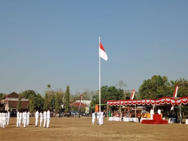 Upacara Bendera Peringatan HUT Republik Indonesia Ke - 74