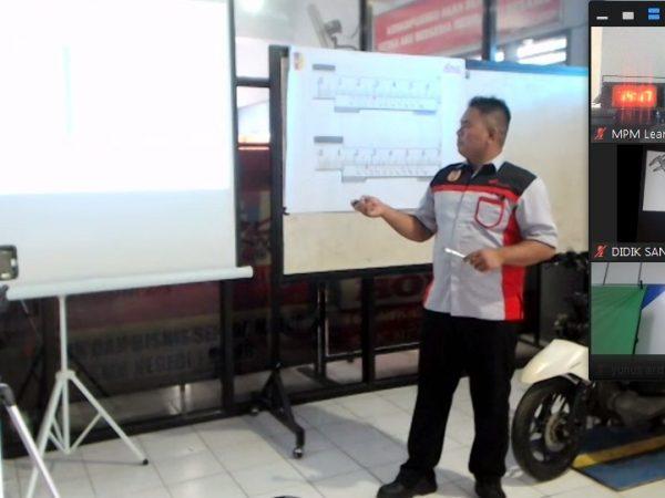 Guru TBSM SMKN 1 Geger ikuti Kontes Regional Guru SMK TBSM Secara Virtual - MPM Honda Jatim