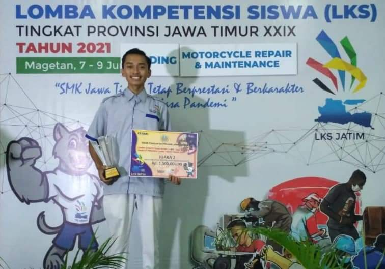 """Juara 2 LKS Tingkat Provinsi Jawa Timur """"Motorcycle Repair and Maintenance"""""""